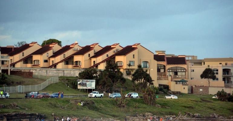Uvongo Cabanas B18
